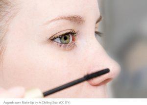 Dünne Augenbrauen dicker schminken